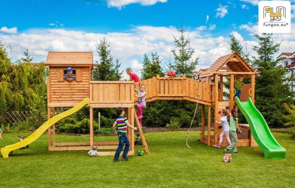 Maxi Spielturm Set mit 2 x Rutsche, 2 x Spielturm, Holzdach, Leiter, Kletterwand, Verbingungsmodul
