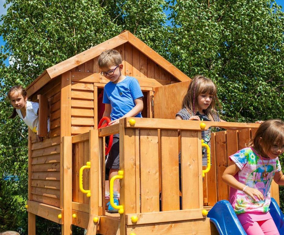 Spielturm mit Rutsche blau Haus und Schaukel FUNGOO