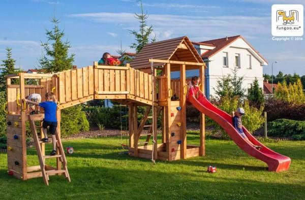 XL Spielturm mit Turm, Rutsche grün, Kletterwand, Holzdach, Spielturmlandschaft