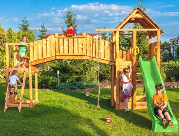 Spielturmlandschaft mit 2x Turm, Rutsche, Kletterwand, Griffe, Leiter, Holzdach, Spielturm