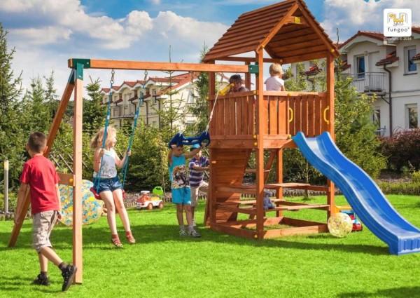 Spielturm Joy Move + Step On Free Time mit Rutsche, Doppelschaukel, Kletterwand und Leiter